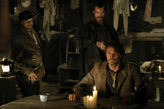 Timothy Olyphant and Garret Dillahunt in Deadwood