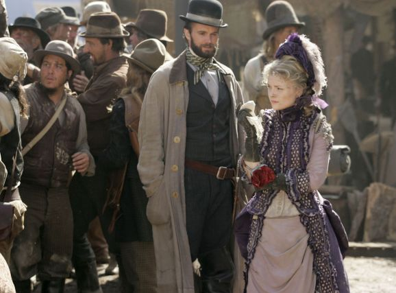 Garret Dillahunt and Izabella Miko in Deadwood Season 2