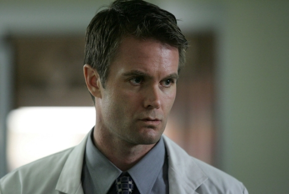 Garret Dillahunt in John From Cincinnati