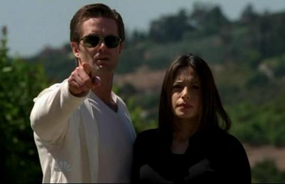 Garret Dillahunt and Sarah Shahi in Life 2x21 One