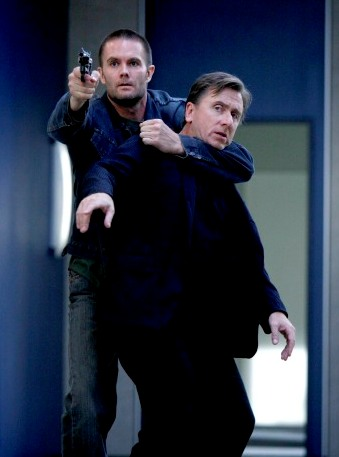Garret Dillahunt and Tim Roth in Lie to Me
