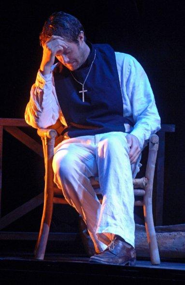 garret dillahunt,theatre,the night of the iguana