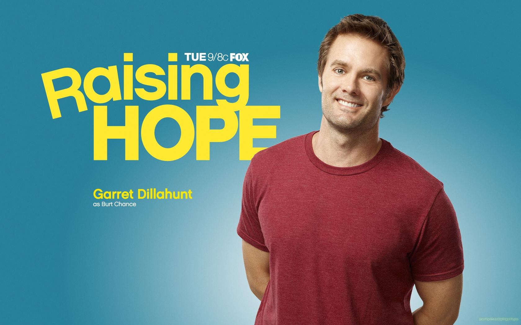 Garret Dillahunt,Raising Hope poster