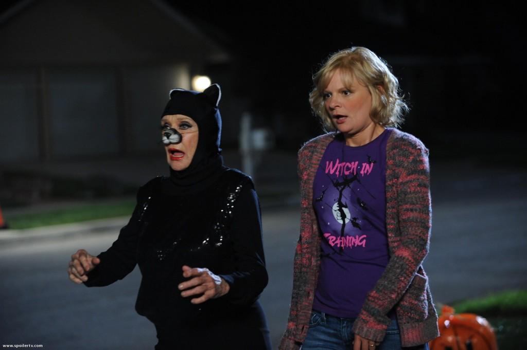 Raising Hope,Cloris Leachman,Catwoman,Martha Plimpton