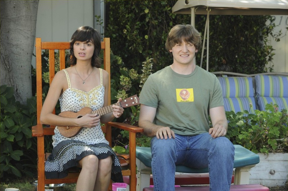 Kate Micucci,Raising Hope,Lucas Neff