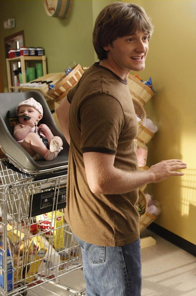 Lucas Neff,baby Hope,Raising Hope,Dead Tooth