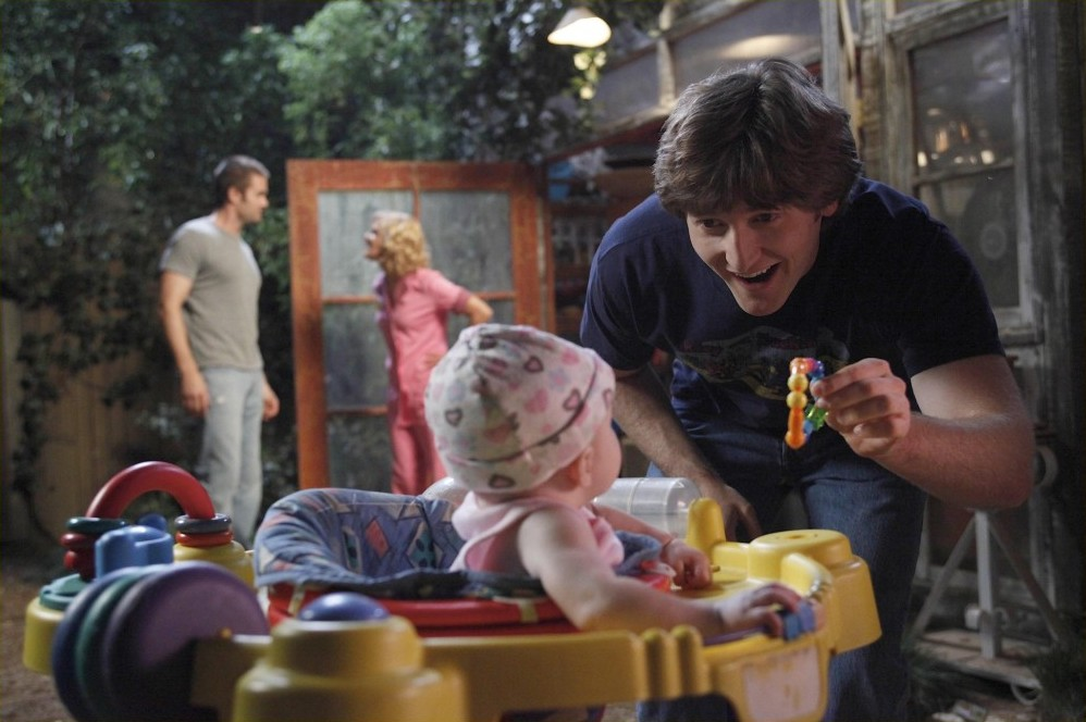 Garret Dillahunt, Martha Plimpton, Lucas Neff,baby,raising hope,dream hoarders