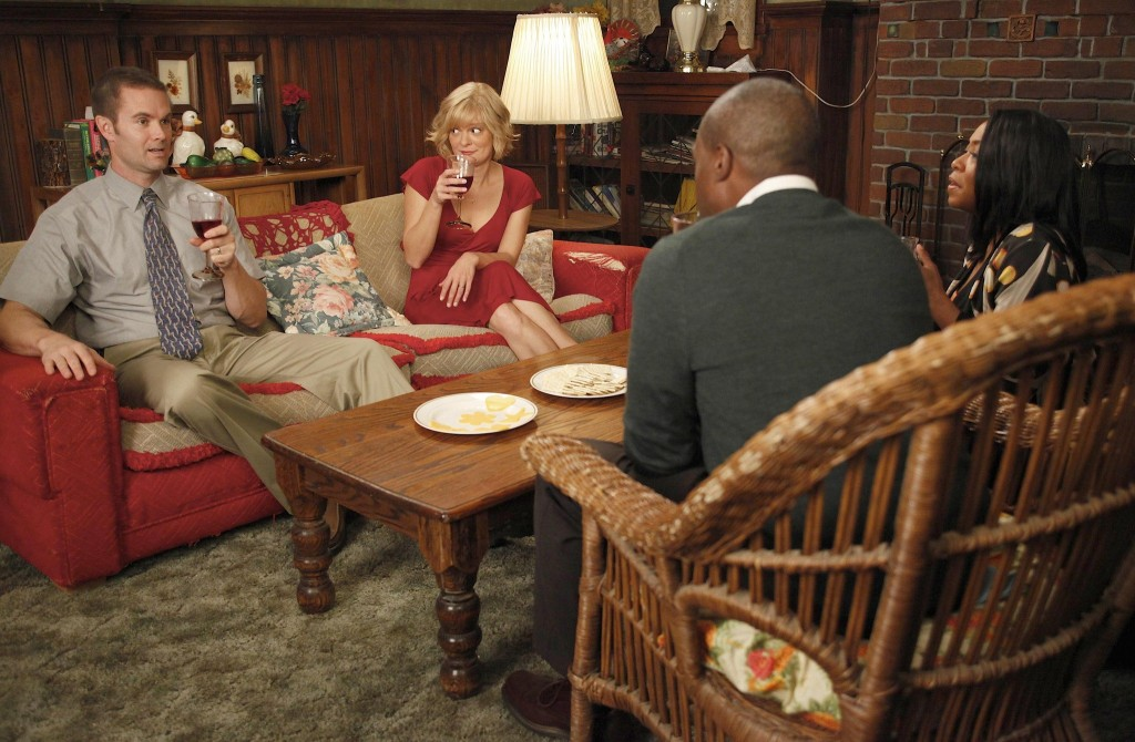 garret dillahunt,raising hope,martha plimpton,promotional photo